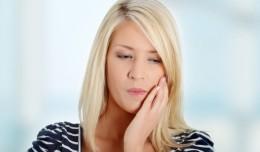 femeie durere dinti